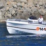 Photographie de profil du bateau BMA modèle X199