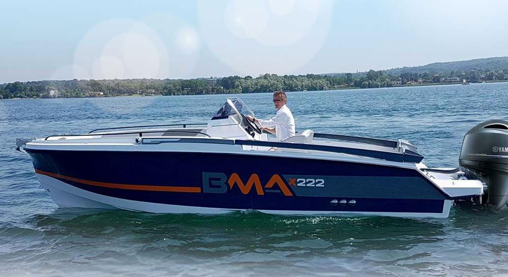 Bateau de type Coque Open de la marque BMA, modèle X222.