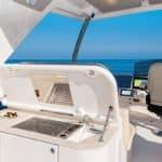 Cuisine extérieure équipée. Bateau de type Motoryacht de la marque Absolute, modèle NAVETTA 52.