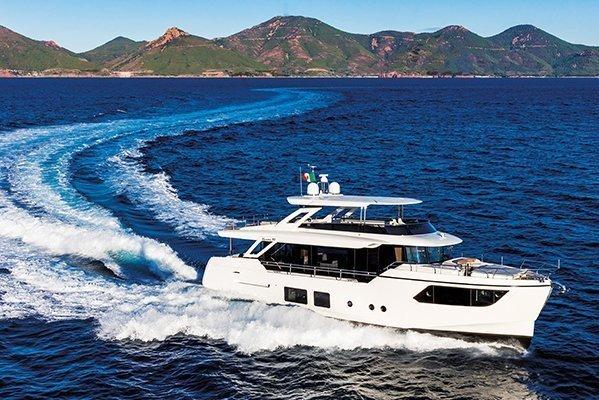 mistral plaisance ABSOLUTE NAVETTA 73 entretien bateaux lavandou