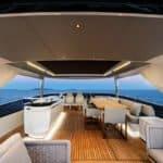 Grand salon extérieur. Bateau de type Motoryacht de la marque Absolute, modèle NAVETTA 73.