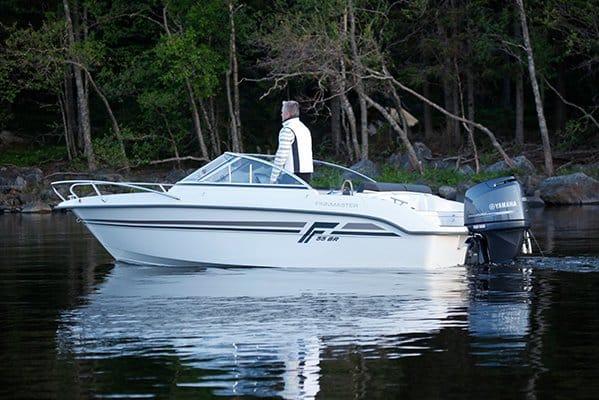 mistral plaisance FINMASTER BOW RIDER R 55 entretien bateaux lavandou