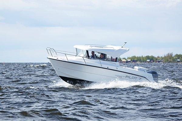mistral plaisance FINMASTER CABIN PILOT 7 entretien bateaux lavandou