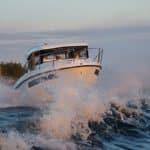 Navigation d'un bateau de type Fishing de la marque Finnmaster, modèle Pilot 8. Moteur Yamaha.