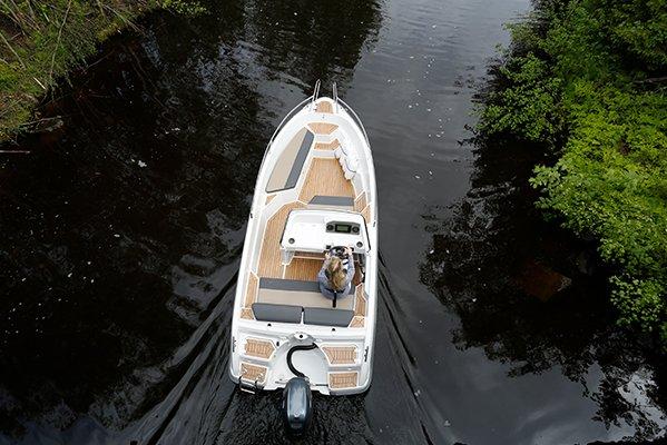 mistral plaisance FINMASTER CONSOL 52 S entretien bateaux lavandou
