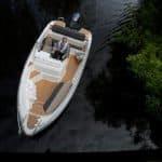 Vue de dessus d'un bateau de type Coque Open de la marque Finnmaster, modèle Consol 52S. Moteur Yamaha.