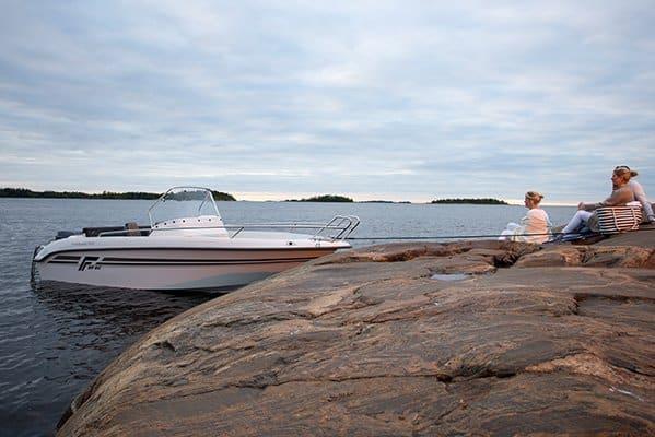mistral plaisance FINMASTER CONSOL 55 SC entretien bateaux lavandou