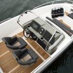 Vue de dessus d'un bateau de type Coque Open de la marque Finnmaster, modèle Consol 6S. Moteur Yamaha.