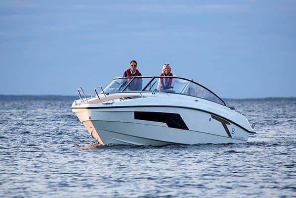 mistral plaisance FINMASTER DAY CRUISER T 8 entretien bateaux lavandou