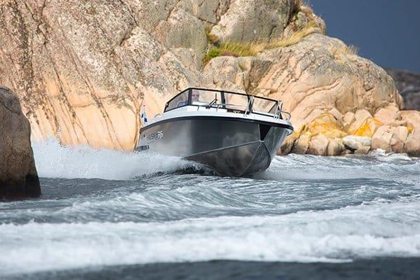 mistral plaisance FINMASTER-HUSKY-ALUMINIUM R6 entretien bateaux lavandou