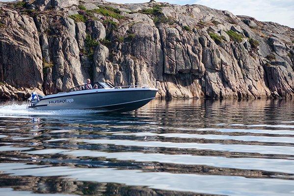 mistral plaisance FINMASTER HUSKY ALUMINIUM R8 entretien bateaux lavandou