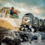 Personnes naviguant avec un bateau équipé de moteurs Yamaha 350 chevaux.