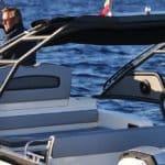 Photographie de l'arrière du bateau BWA modèle Premium 30