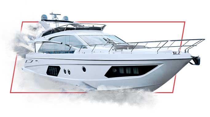 Montage photo d'un yacht Absolute avec des formes vectorielles rouges le décorant