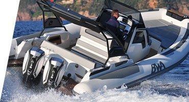 Photographie d'un bateau de la marque BWA, série Premium.