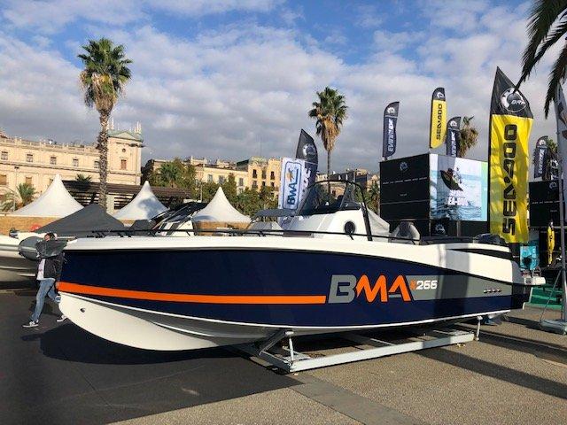 Photographie du bateau BMA modèle X266 en stationnement chez Mistral Plaisance
