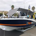 Photographie du bateau BMA modèle X266 avec son toit, en stationnement chez Mistral Plaisance